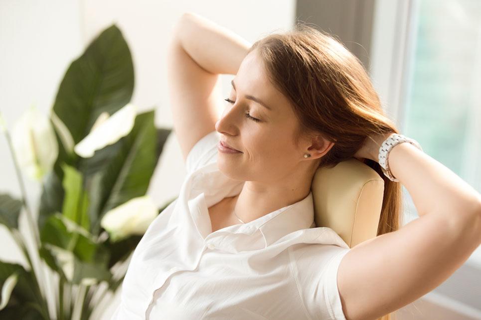Frau entspannt sich