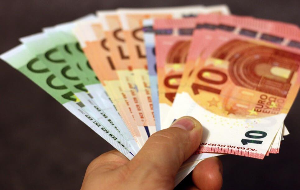 aufgefächerte Euroscheine