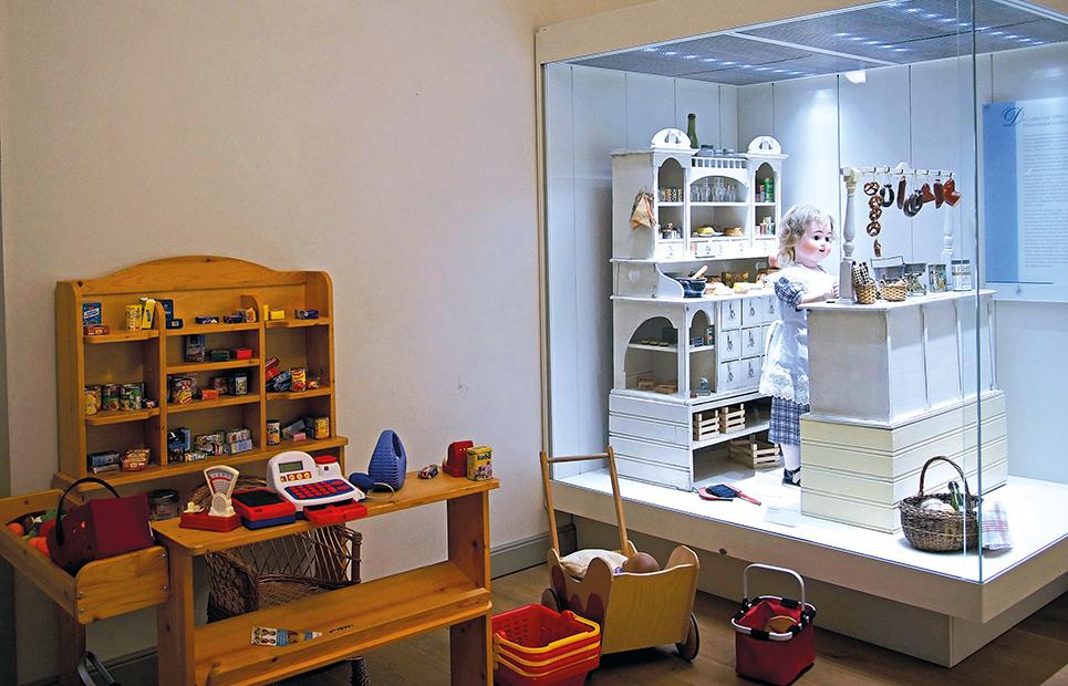Ausstellungsraum im Puppen- und Spielzeugmuseum Hanau-Wilhelmsbad
